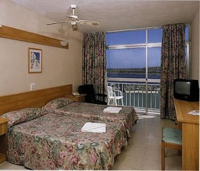 отель Qawra Inn Hotel