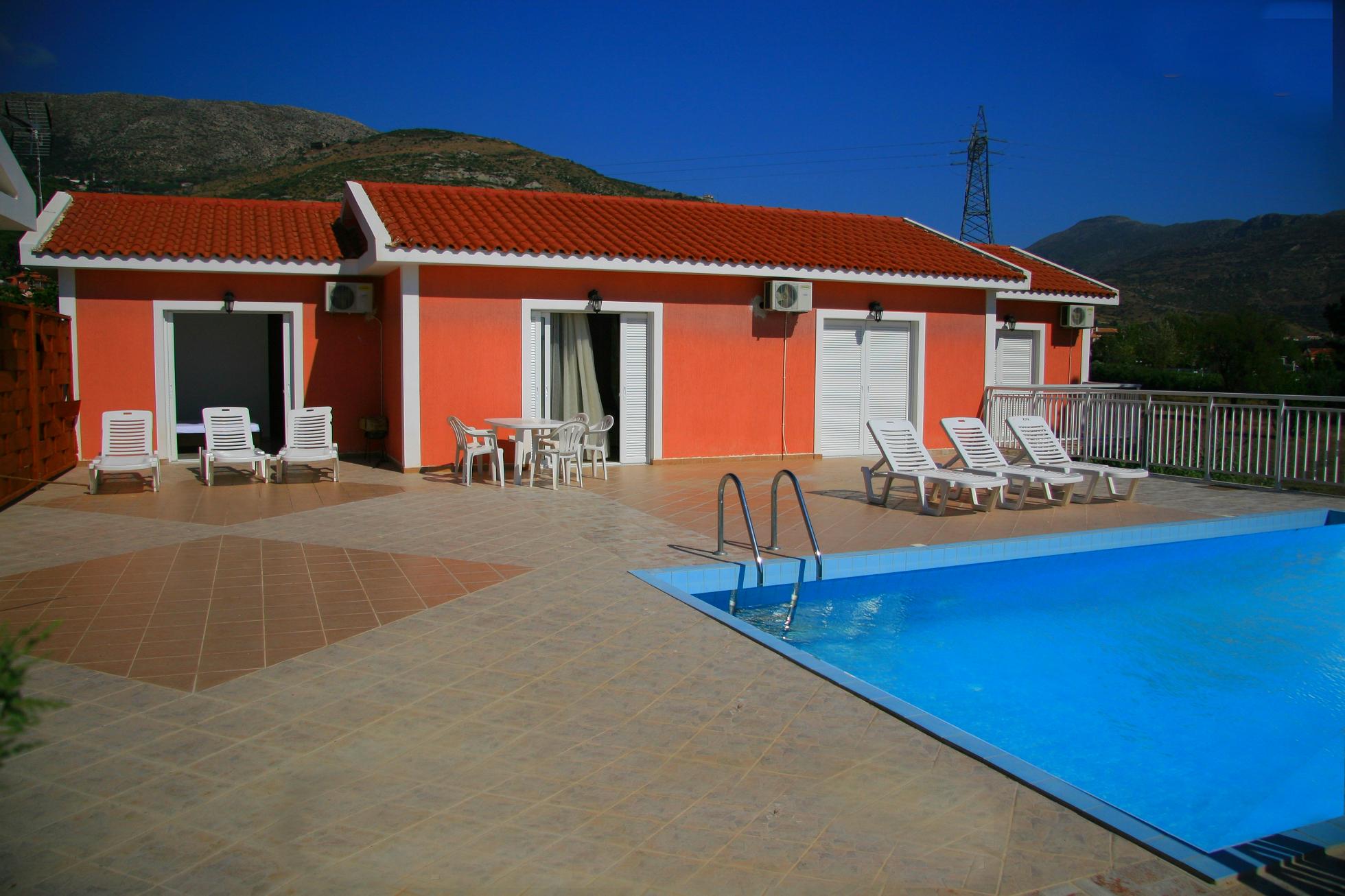 отель Messogios Villas (Artemis)