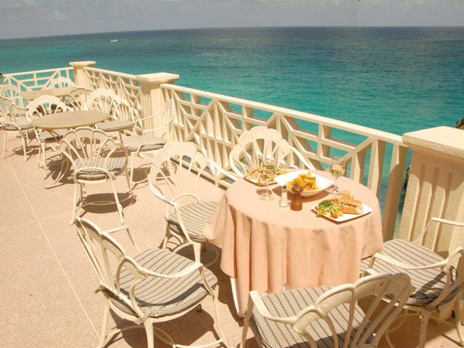 отель The Crane Resort & Residence