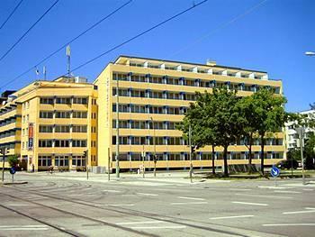 отель A&O Munchen Hackerbrucke