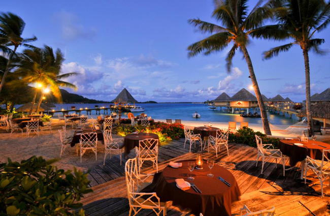 отель Intercontinental Le Moana Resort Bora Bora