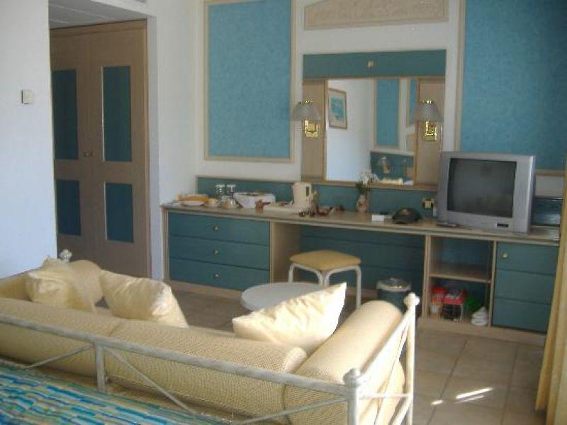 отель Aldemar Royal Mare Village