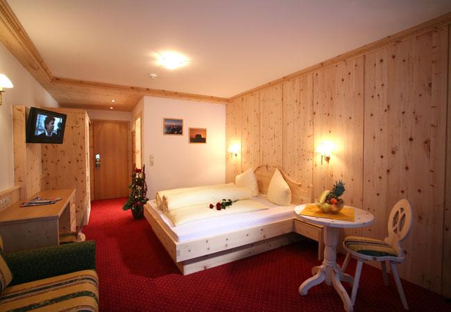 отель Alm Ferienclub Silbertal