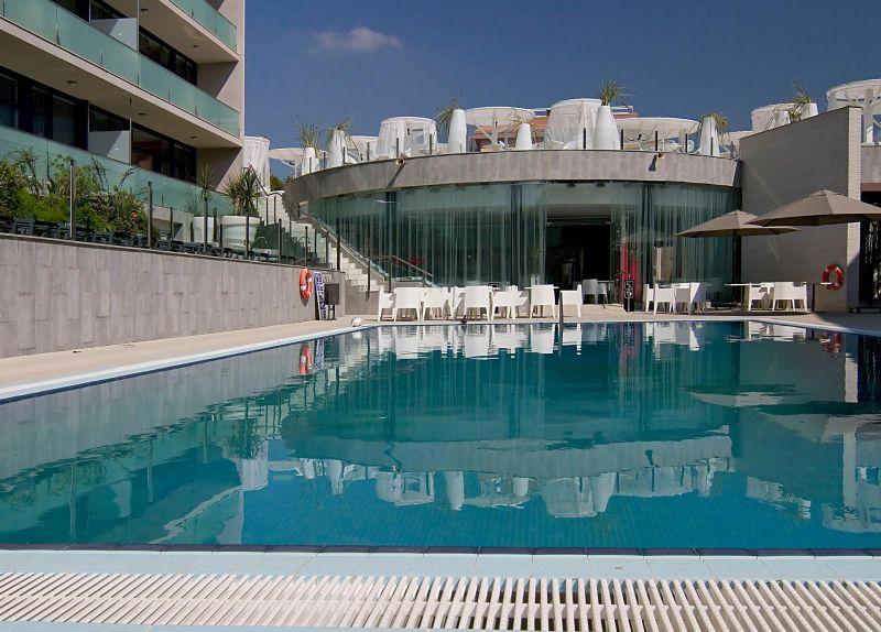 отель Four Elements Suites