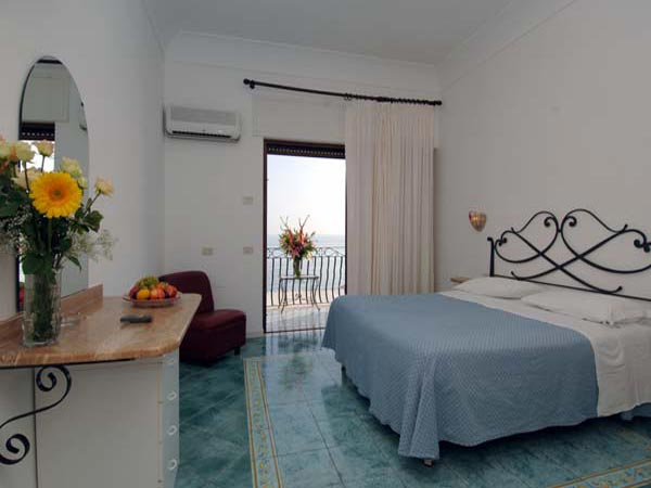 отель Pupetto Hotel (Positano)