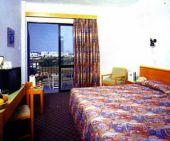 отель Kapetanios Bay