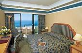 отель Amathus Beach