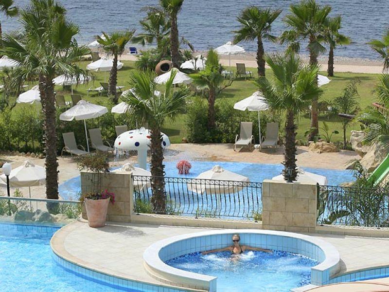 отель Aquamare Beach