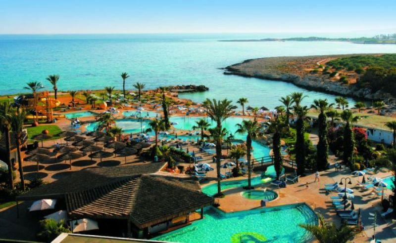отель Adams Beach