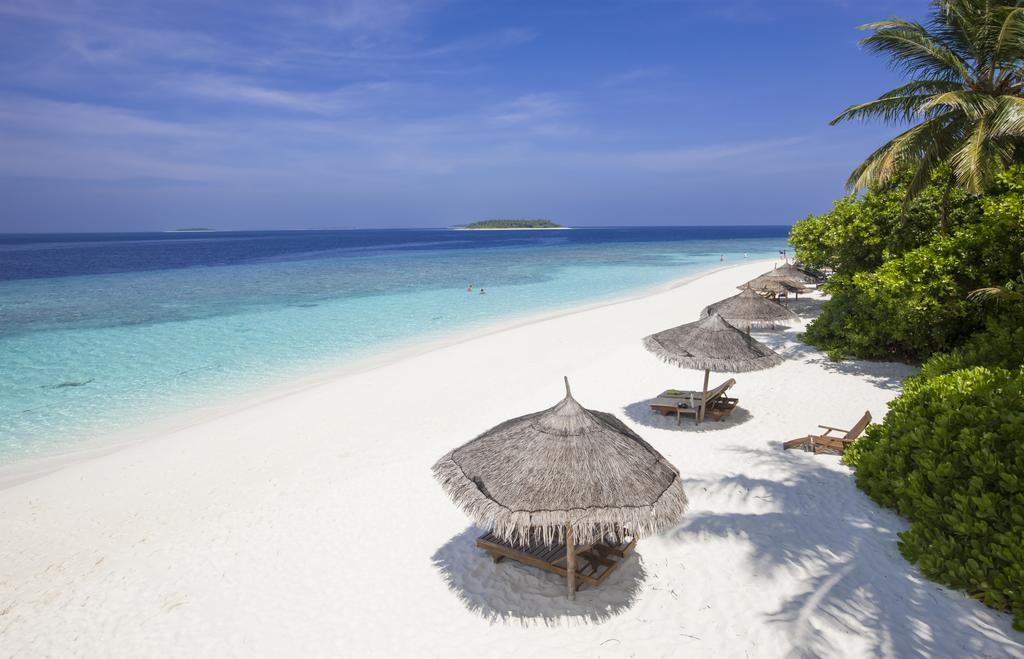 отель Reethi Beach Resort