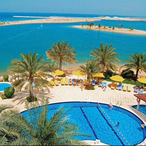 отель Al Hamra Fort Hotel & Beach Resort