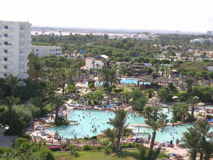 отель Sahara Beach