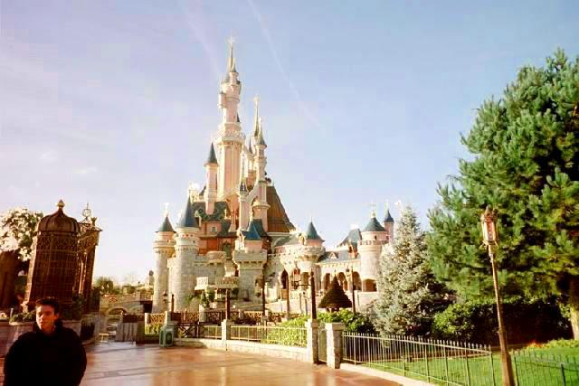 отель Disneyland
