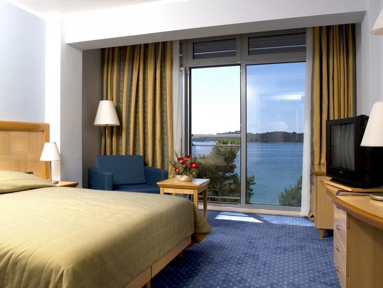 отель Grand Hotel Orebic