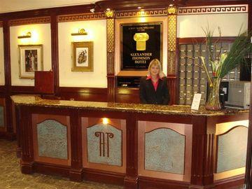 отель Alexander Thompson